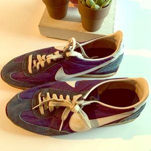 Vintage Nike running shoes (Cortez)